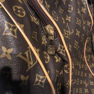 Faux Louis Vuitton garment bag